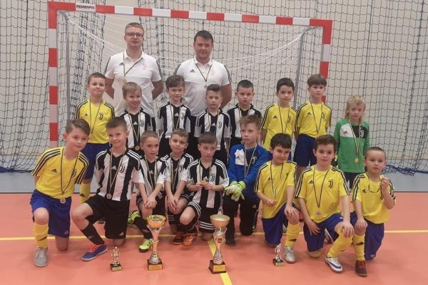 i II miejsce Juventus Academy Bydgoszcz na turnieju w Żninie.
